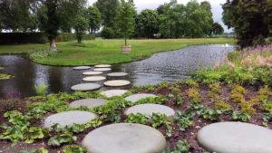 Vijver ronde stenen